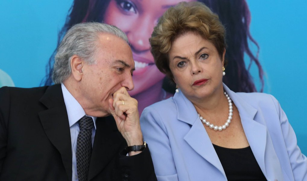 A presidente Dilma Rousseff escalou o ministro da Casa Civil, Jaques Wagner, para levar ao vice-presidente Michel Temer (PMDB) a mensagem de que gostaria de ter uma conversa com ele ainda nesta terça (8); o peemedebista se colocou à disposição da presidente, segundo sua assessoria; Temer e Dilma não conversam desde quinta-feira passada, um dia depois do acolhimento do pedido de impeachment pelo presidente da Câmara, Eduardo Cunha (PMDB)