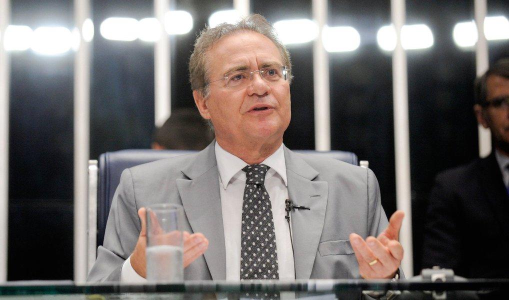 """O presidente do Congresso Nacional, senador Renan Calheiros (PMDB-AL), disse nesta terça (8) que a carta do vice-presidente da República, Michel Temer, à presidenta Dilma Rousseff deve ser encarada como um """"desabafo pessoal""""; Renan ressaltou que o documento tem importância institucional, mas disse que não é um documento coletivo ou partidário; """"Não vou comentar a carta do vice-presidente. Só tem sentido como desabafo. Não é uma ação política, partidária muito menos"""", afirmou Renan"""