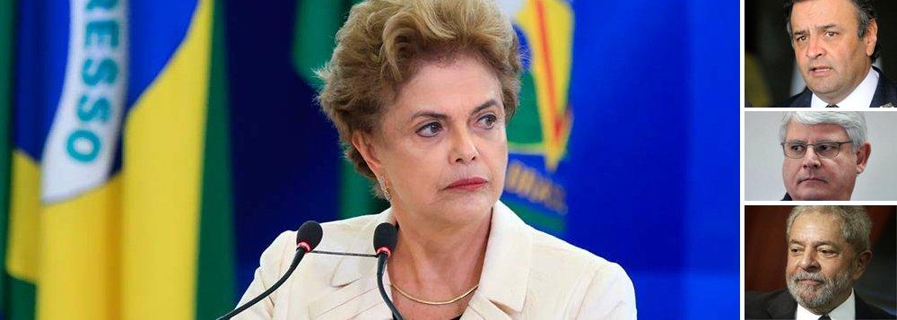 """""""Os golpistas partidarizaram as instituições de Estado para desfechar um golpe contra o mandato da Presidente Dilma e o Estado Democrático de Direito num processo totalmente maculado pela fraude e pela manipulação. Não há espaço para ilusão: os golpistas ferem a democracia para destruir os direitos do povo"""", diz o colunista Jeferson Miola, que condena a seletividade do Poder Judiciário; """"Aécio Neves e o PSDB aparecem em quase todas as listas de corrupção dos vários criminosos que fizeram acordo de delação premiada. O Procurador-Geral da República ou não abre inquéritos ou então arquiva investigações. Em relação ao ex-presidente Lula, todavia, sua sanha condenatória não tem limites""""; leia a íntegra"""
