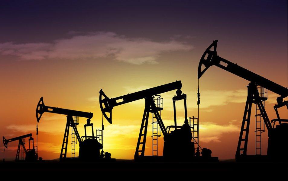 Os preços do petróleo subirão gradualmente em direção a US$ 60 o barril até o final de 2017, mostrou uma pesquisa da Reuters nesta quinta-feira, com o fortalecimento do dólar, uma provável recuperação da produção de petróleo dos Estados Unidos e possíveis descumprimentos do acordo da Organização dos Países Exportadores de Petróleo influenciando os mercados; os contratos futuros de petróleo Brent ficarão em US$ 56,90 por barril em média em 2017, de acordo com 29 analistas e economistas consultados, um pouco abaixo da previsão de US$ 57,01 na pesquisa anterior