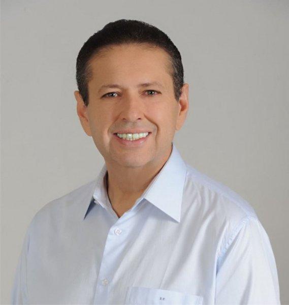 O conselheiro Domingos Filho é o novo presidente do Tribunal de Contas do Município. Em eleição realizada na manhã desta quinta-feira (1), ele derrotou o conselheiro Hélio Parente, candidato preferido do Governo e dos Ferreira Gomes, pelo placar de 4 a 3