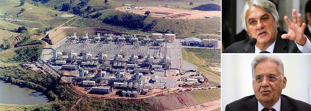 As quatro termelétricas contratadas no governo de Fernando Henrique Cardoso quando o senador Delcídio do Amaral (PT-MS), era diretor da Petrobras, custaram R$ 5 bilhões, segundo cálculos da companhia e do Tribunal de Contas da União (TCU); já a compra da refinaria dos EUA custou US$ 792 milhões – em valores atuais, aproximadamente R$ 3 bilhões; em sua delação premiada, Nestor Cerveró, que era gerente da área de Delcídio na Petrobras, afirmou que o senador, atualmente preso em Brasília, recebeu propina de US$ 10 milhões da Alstom, empresa francesa envolvida em escândalos de financiamento de campanha do PSDB; em resposta, FHC disse que corrupção, no seu governo, foi pontual e não sistêmica