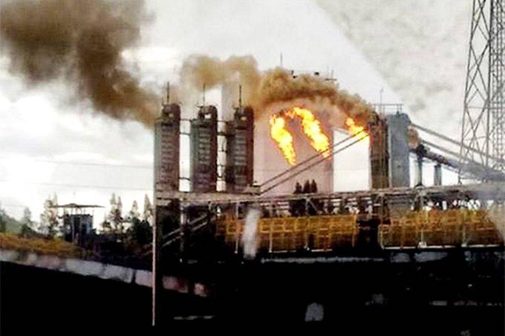 Segundo a siderúrgica, os operários faziam a manutenção de um equipamento chamado torre de gasômetro, utilizado na produção de energia a partir de gases liberados na fabricação do aço