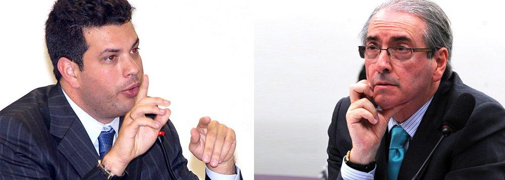 """Líder do PMDB na Câmara dos Deputados, Leonardo Picciani (RJ) discorda da posição do presidente da Casa, Eduardo Cunha (PMDB-RJ), sobre o pedido de impeachment da presidente Dilma: """"Acho pessoalmente que ele se equivocou em aceitar o impeachment. Não vejo motivo jurídico para isso"""", afirmou; ele disse que não pode relacionar a situação no Conselho de Ética, onde Cunha é processado, com o caso: """"Não sei se ele fez isso. Mas tem que olhar o impeachment pela ótica da Constituição Federal. Misturar esse tema com o conflito político é um equívoco enorme"""""""