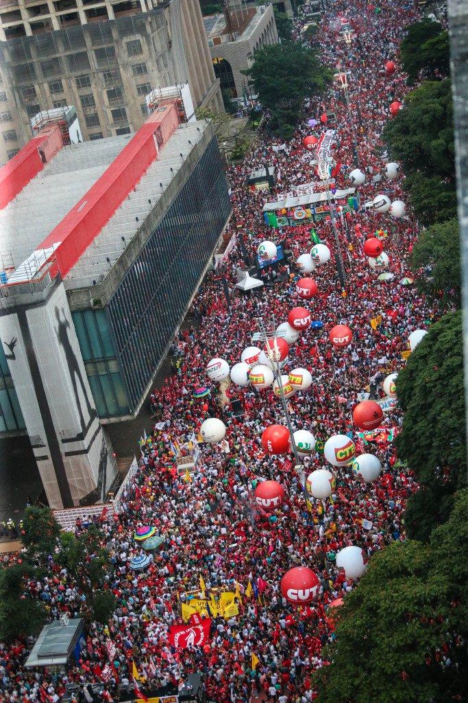 18/03/2016- São Paulo- SP, Brasil- Protestos em apoio ao governo Dilma Rousseff, na avenida Paulista. Foto: Paulo Pinto/ Agência PT