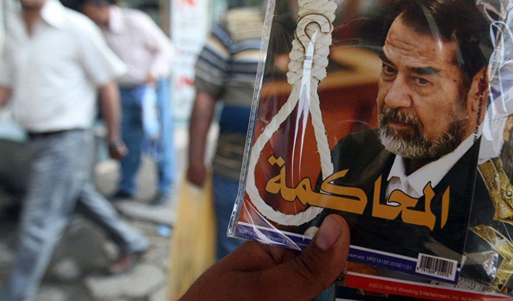 """Depois de ser derrubado pelos EUA, o ex-presidente do Iraque, Saddam Hussein, nunca pediu misericórdia, disse o assessor de segurança nacional primeiro-ministro israelense Mowaffak al-Rubaie; segundo ele, antes de sua morte, Hussein exclamou: """"Viva a nação!"""", """"Viva o povo!"""", """"Viva a Palestina!"""" e """"Morte aos EUA!"""""""
