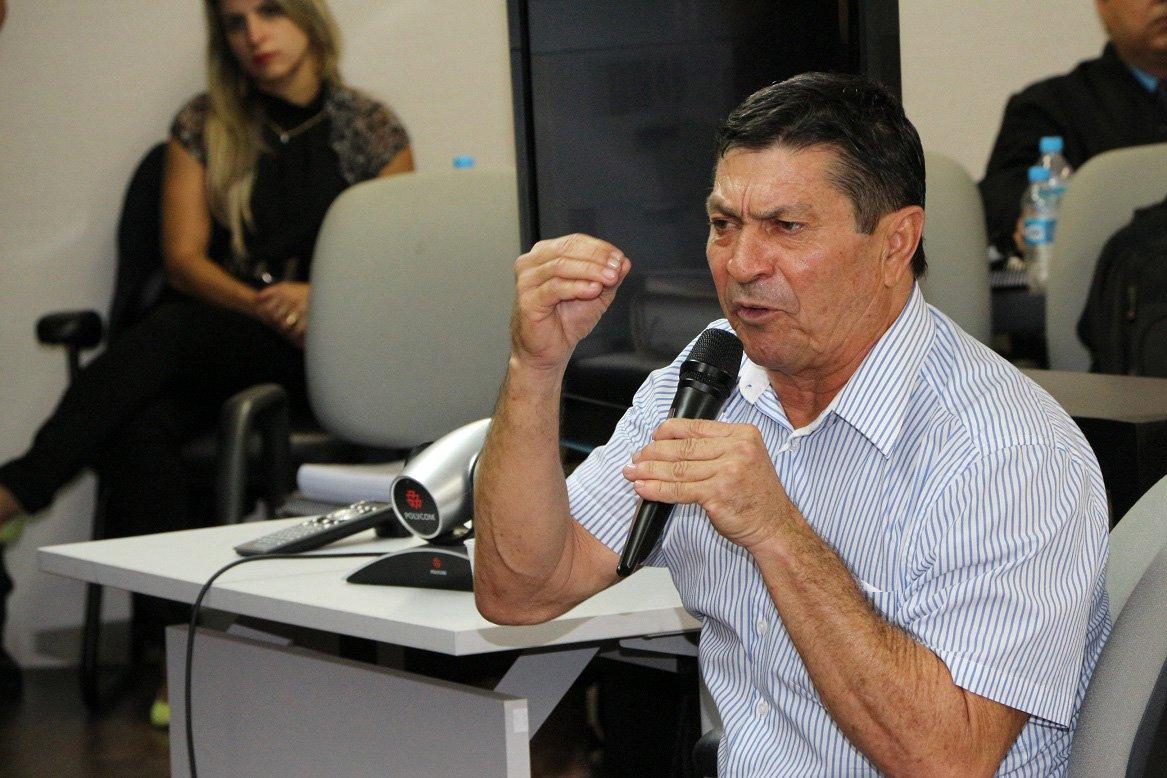 O ex-deputado estadual e ex-vereador por Maceió, Luiz Pedro da Silva, foi condenado a 26 anos e 5 meses de prisão, em regime fechado, pelos crimes de homicídio, sequestro e formação de quadrilha; ele foi apontado pelo Ministério Público Estadual (MPE) como o autor intelectual da morte do servente de pedreiro Carlos Roberto Rocha Santos, assassinado em agosto de 2004
