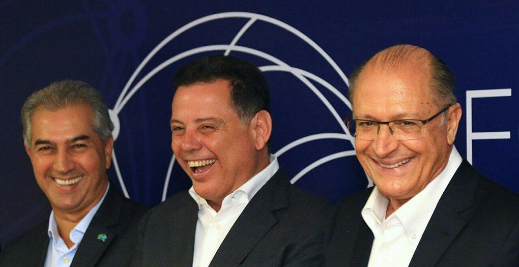 """O governador de São Paulo, Geraldo Alckmin, voltou a defender as prévias dentro do PSDB para escolha do candidato do partido à presidência da República; """"Prévia nao divide. A prévia escolhe e quanto mais você amplia a audiência, mais você amplia a participação e menos você erra. Você tem uma participação maior. Democracia começa dentro de casa, dentro dos partidos políticos"""", disse o tucano na noite desta quinta-feira, em Goiânia, onde participa a convite do governador Marconi Perillo, do Fórum do Brasil Central"""