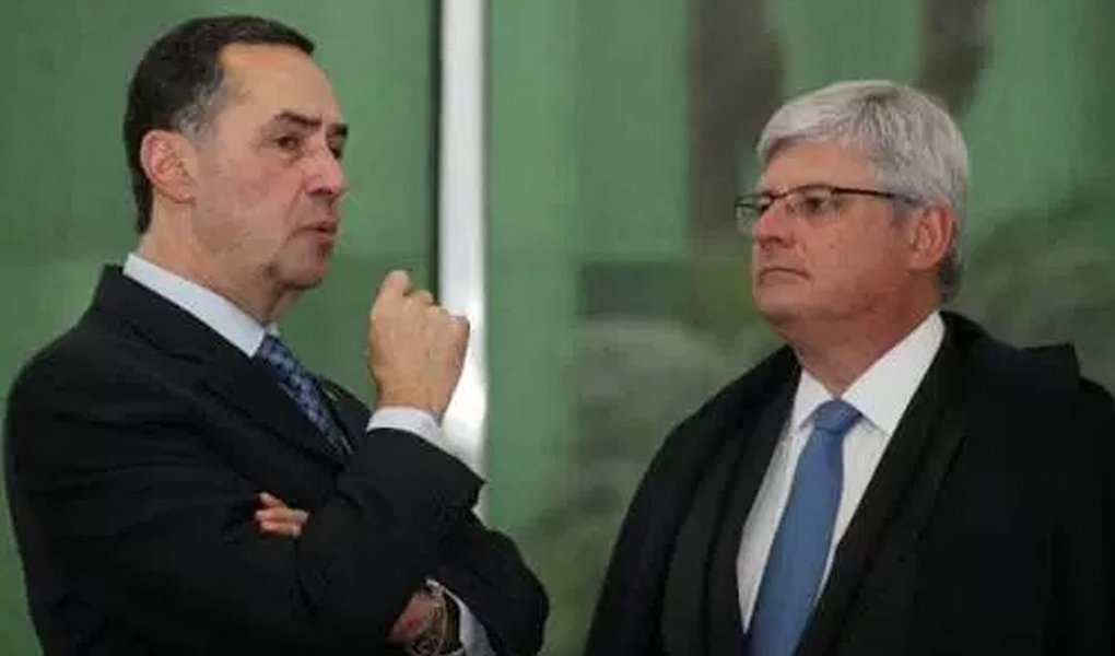 Depois de o ministro Luís Roberto Barroso, do Supremo, defender a privatização da Universidade Estadual do Rio de Janeiro, a UERJ, o procurador-geral da República Rodrigo Janot, no retorno de Davos, também defendeu o fim das aposentadorias