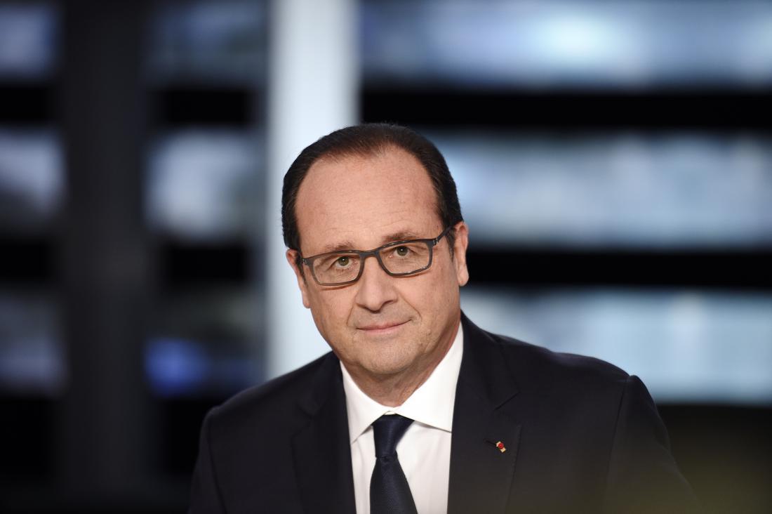 """O presidente da França, François Hollande, afirmou que a rede de jihadistas responsável pelos ataques em Paris, e em Bruxelas, capital da Bélgica, está """"em processo de ser destruída"""", mas disse que ainda há uma ameaça elevada; """"Temos alguns resultados na procura dos terroristas e, tanto em Bruxelas como em Paris, tem havido uma série de detenções e sabemos que há outras redes"""", disse; a polícia francesa prendeu Reda Kriket, de 34 anos, em Paris, acusado de planejar um ataque, em estado bastante avançado, e de ter ligações a Abdelhamid Abaaoud, suspeito de ser o mandante dos ataques de 13 de novembro, na capital francesa"""