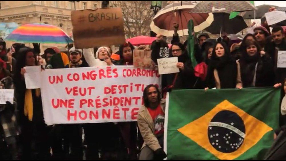 O Movimento Democrático 18 de Março (MD18), formado por brasileiros que vivem na França, organizou uma nova manifestação para este domingo, 17 de abril, às 15h, no mesmo local onde tem se reunido desde o início de março: a Place de La République, no centro de Paris; o principal objetivo da manifestação é reforçar o coro do povo brasileiro contra o impeachment da presidenta Dilma Rousseff e contra a desarticulação da democracia brasileira