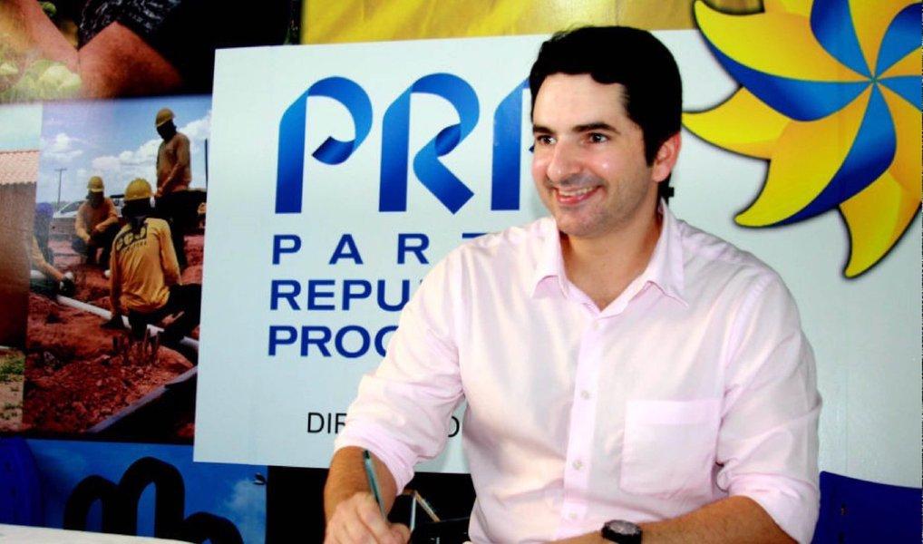 """""""O partido em Sergipe já nasce grande. Agora nossa meta é fortalecê-lo cada vez mais e em todo o estado. Além disso, o PRP é uma sigla ideológica. Queremos juntar o maior número de pessoas que querem um projeto político de progresso, de futuro. Com certeza o PRP tem tudo isso a oferecer"""", disse o deputado estadual Gustinho Ribeiro"""