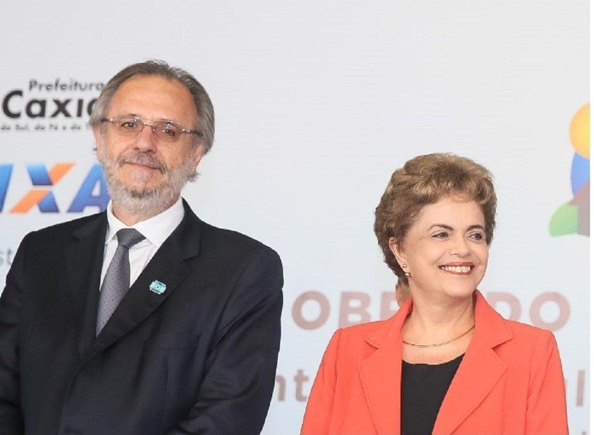 """Na condição de ministro do Governo Dilma Roussefff, Miguel Rossetto acompanhou de perto a conjuntura que antecedeu ao golpe, como a tensão com o PMDB, as pressões do setor empresarial e a traição marcada pelo lançamento do """"Uma Ponte para o Futuro"""".O ex-ministro considera que o golpe foi uma articulação entre elites nacionais e internacionais, partidos de direita como o PSDBe setores do aparato judiciário e policial, que encontraram nas figuras de Michel Temer eEduardo Cunha,os seus operadores, para tirar do poder um projeto de democracia com justiça social"""