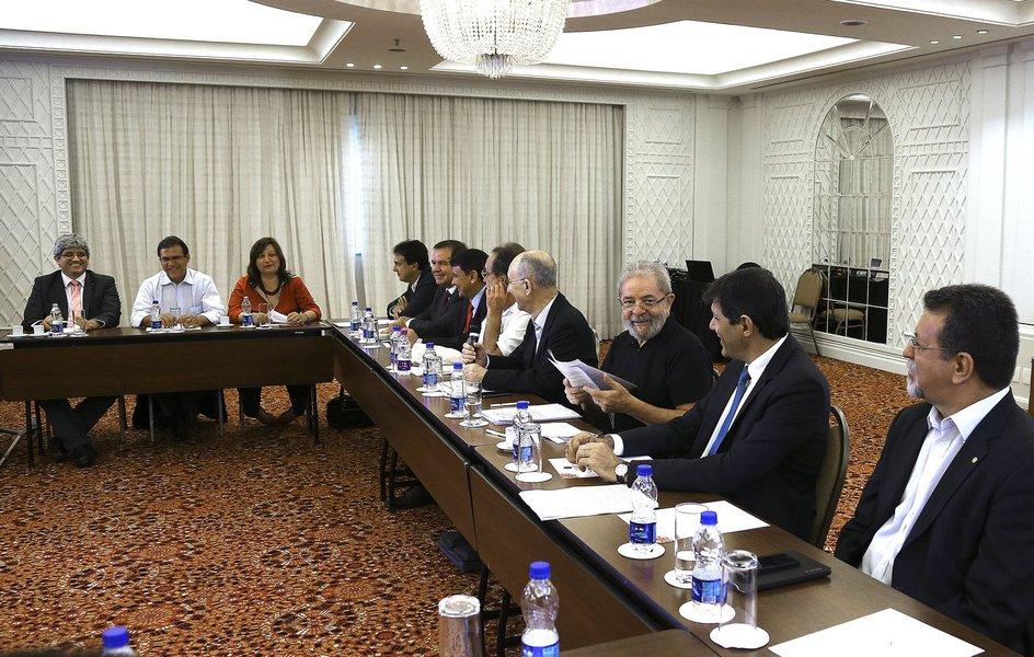 A decisão de lançar um projeto de medidas do partido surgiu de uma reunião do ex-presidente Luiz Inácio Lula da Silva com o conselho político da presidência da sigla
