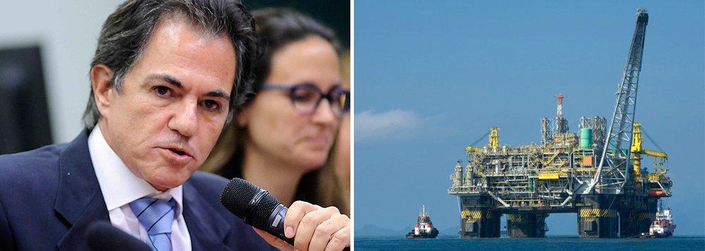 Empresário Augusto Mendonça omitiu em seu acordo de delação na Lava Jato que houve pagamento de propina de US$ 32 milhões, o equivalente hoje a R$ 103 milhões, nos contratos da Petrobras para a construção de duas plataformas para exploração de petróleo, a P51 e a P52, em Angra dos Reis e Niterói, no Estado do Rio; suborno foi dividido em partes iguais entre Duque e Zwi Skornicki, que atuava como representante comercial do estaleiro Keppel Fels, de Cingapura