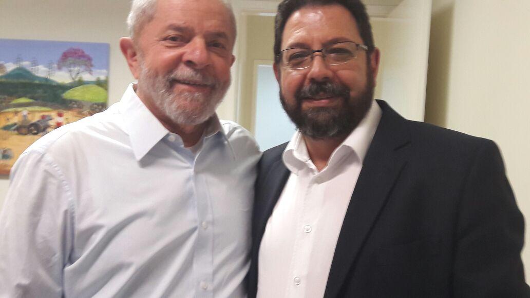 """O ex-presidente Luiz Inácio Lula da Silva declarou apoio, nesta sexta-feira, a Eduardo Guimarães, editor do Blog da Cidadania, que concorre a vereador em São Paulo, pelo PC do B; """"É uma das pessoas mais empenhadas em dizer a verdade e combater a mídia conservadora"""", disse Lula; vídeo"""