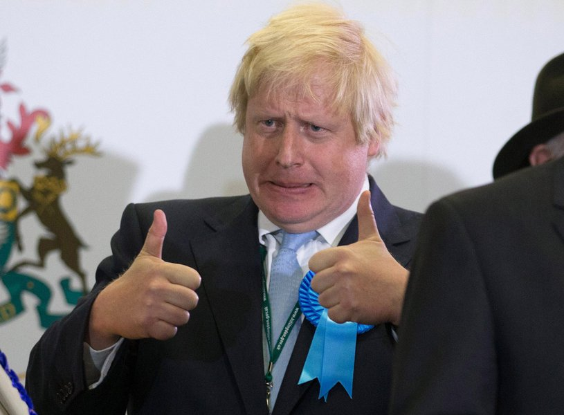 Ex-prefeito de Londres já começou ase movimentar para assumir a liderança do Partido Conservador com o objetivo de substituir a atual premiê, que anunciou sua saída na sexta-feira (24), após o Brexit; segundo o Telegraph, Boris e sua principal rival, a ministra do Interior Theresa May, anunciarão seus planos nesta semana