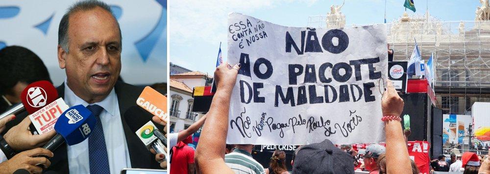Redução já havia sido aprovada pela Assembleia Legislativa, mas o governador Luiz Fernando Pezão vetou a proposta; sem salários, servidores têm protestado diante da Alerj