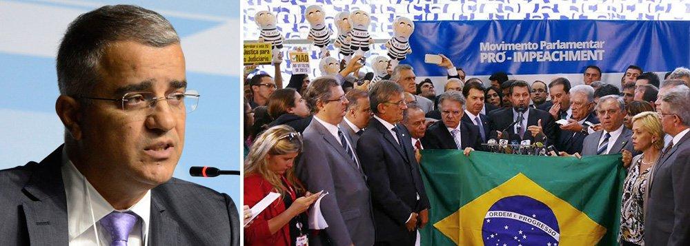 """""""A oposição e os movimentos anti-Dilma cometem um erro político. Pegam leve com Cunha, contra quem há fartas acusações com provas documentais da Suíça. E insistem num impeachment da presidente com base num parecer que nem foi aprovado pelo TCU e numa recomendação de rejeição de contas do ano passado que não foi apreciada pelo Congresso"""", aponta o jornalista Kennedy Alencar; entrega do novo pedido, que seria feita hoje, foi adiada para amanhã"""