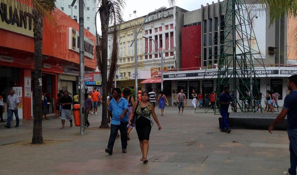 Alagoas terá nesta sexta-feira (16) o feriado de Emancipação Política, porém, boa parte do comércio ficaráde portas abertas; em Maceió, os três principais shoppings funcionarão em horário normal, assim como os supermercados; no Centro da capital as cerca de 600 lojas abrem em horário especial, das 9h às 15h