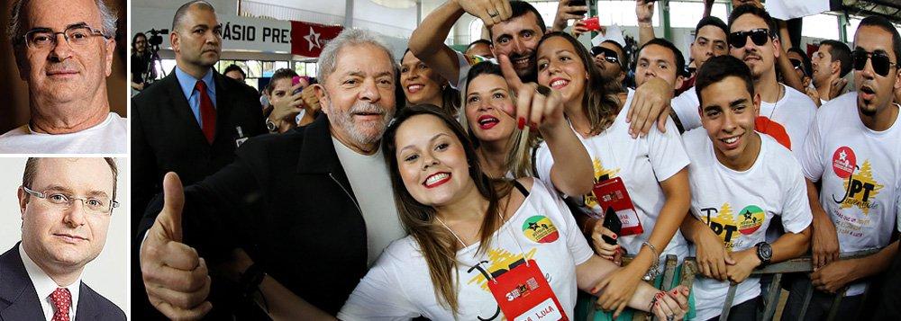 """Advogados do ex-presidente Lula, Roberto Teixeira e Cristiano Zanin Martins denunciam o 'falso realismo da mídia' contra os Lulas da Silva: """"Há um sistema de retroalimentação: a falsa notícia é usada para abrir procedimentos administrativos/judiciais e justificar iniciativas ousadas que, depois, servirão de insumo para novas reportagens""""; """"Hoje, a defesa de Lula é a defesa do regime democrático contra as arbitrariedades dos que detêm grande parcela de poder e dele se utilizam movidos pelo preconceito, por um inexplicável sentimento de ódio"""", concluíram"""