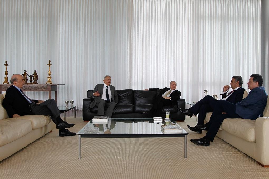 (Brasília - DF 25/11/2016) Presidente Michel Temer recebe o Ministro das Relações Exterios, José Serra, o Ex-Presidente Fernando Henrique Cardoso, o Senador Aécio Neves e o Governador Marconi Perilo no Palácio da Alvorada. Foto: Beto Barata/PR