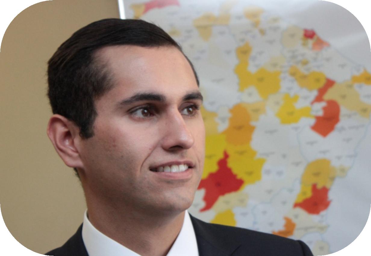 Líder do PROS na Câmara dos Deputados, Domingos Neto é considerado o mais jovem deputado do Parlamento Brasileiro. Ele está representando o país noI Encontro Interamericano de Jovens Parlamentares, que está acontecendo em Lima, no Peru. O evento termina neste sábado