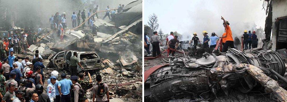 Aeronave, um Hercules C-130 que entrou em operação há mais de 40 anos, caiu sobre casas e um hotel em uma área da cidade de Medan, em Sumatra, matando pessoas a bordo do avião e no solo;porta-voz militar Fuad Basya disse que 12 militares, incluindo o piloto, estavam a bordo do avião, que, segundo testemunhas, aparentemente explodiu pouco depois de bater no solo
