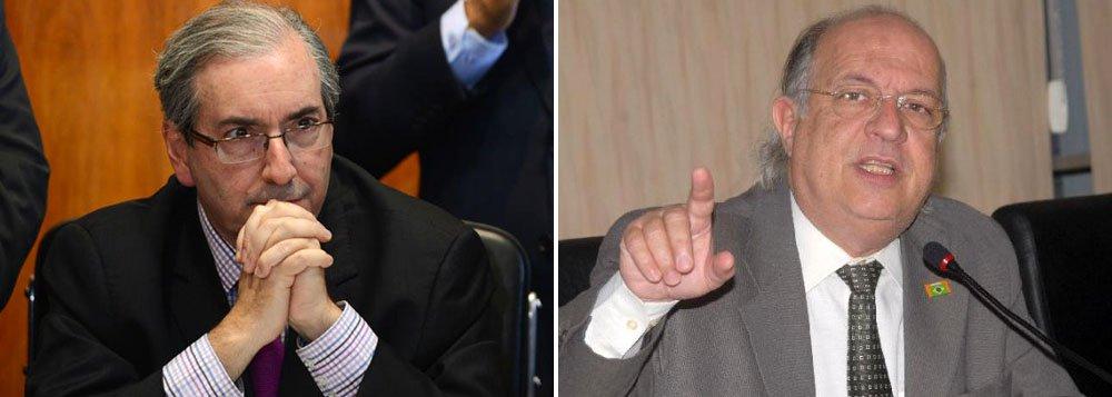 """Comentarista político Paulo Vannuchi afirmou que o presidente da Câmara dos Deputados se torna o alvo preferencial de quem luta contra o fascismo; ele observa que a juventude quer o debate sobre aredução da maioridade penal, enquanto """"os golpistas querem a pressa""""; """"No caso do Eduardo Cunha é desespero, porque qualquer jornalista do Brasil sabe o tamanho do envolvimento do presidente da Câmara com irregularidades"""""""