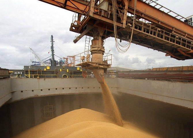 A China visualiza a possibilidade de reduzir o custo logístico da importação significativa que faz da soja brasileira