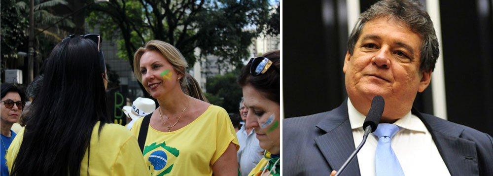 """""""Essas manifestações têm o tamanho da credibilidade política do PSDB e do DEM. Ou seja, o povo brasileiro acordou e percebeu que esses dois partidos, que não têm ética nem moral para criticar a presidente Dilma, estavam querendo surfar numa insatisfação momentânea de parte do povo brasileiro"""", disparouo vice-líder do governo na Câmara, deputado Sílvio Costa (PSC-PE)"""