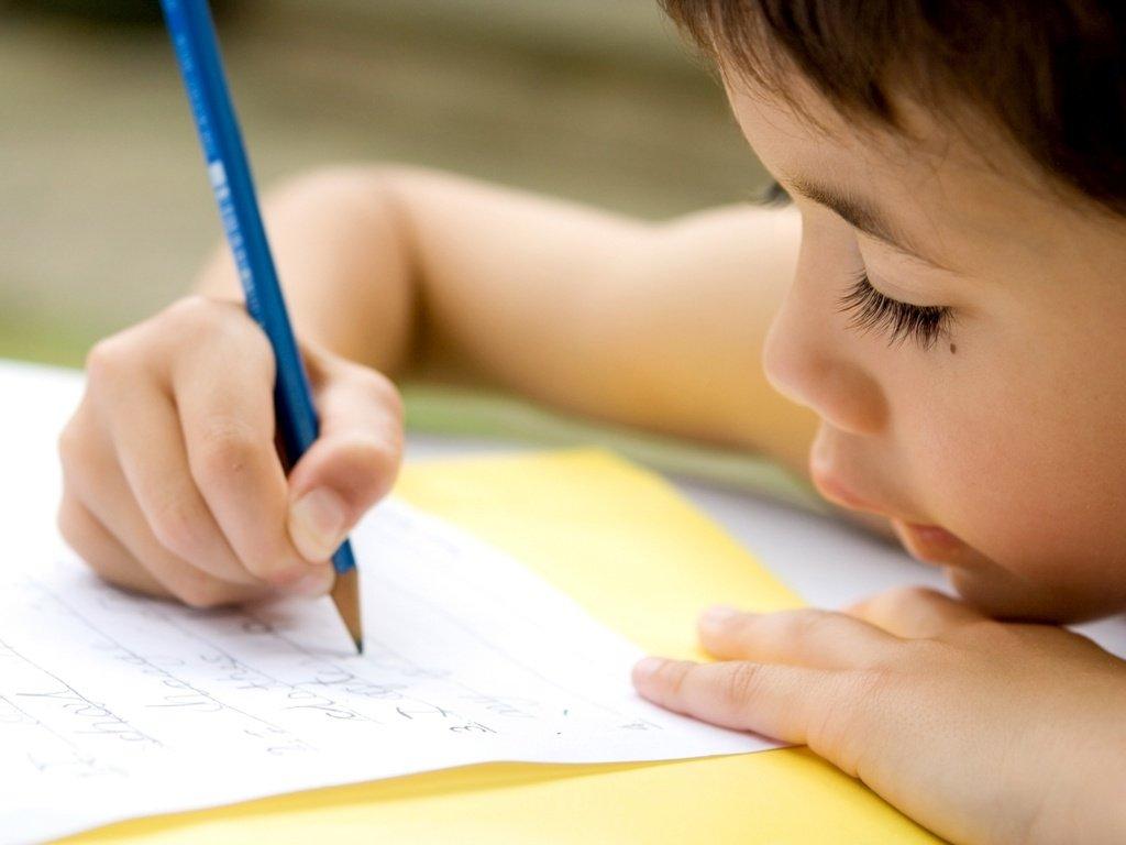 Dados divulgados no Encontro do Spaece mostram que a taxa de alfabetização ao término do 2º ano do Ensino Fundamental subiu de 39,9% em 2007 para 84,6% em 2014. Nesse mesmo período, a redução de percentual de alunos não alfabetizados ao final do 2º ano variou de 32,8% para 0,6%. 97.587 alunos do 2º ano e 115.273 do 5º ano do Ensino Fundamental de 4.192 escolas públicas participaram da avaliação
