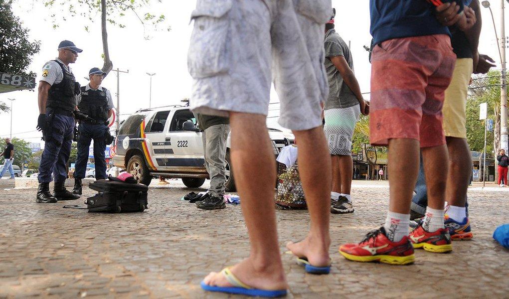 Dados da Secretaria da Segurança Pública e da Paz Social mostram que, nos primeiros cinco meses deste ano, foram registrados 268 assassinatos em Brasília, 7,26% a menos em comparação a 2014, quando aconteceram 289 delitos dessa natureza; já em 2013, 302 pessoas acabaram executadas no DF — taxa 11,25% maior do que a registrada em 2015