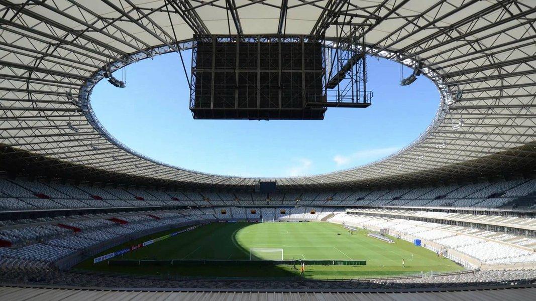Belo Horizonte sediará, no Mineirão, dez partidas do torneio de futebol masculino e feminino, entre jogos Olímpicos e Paralímpicos. Minas Gerais receberá quatro comitês, sendo dois britânicos e dos irlandeses e três delegações estrangeiras - duas do Canadá e uma da China – além de uma brasileira