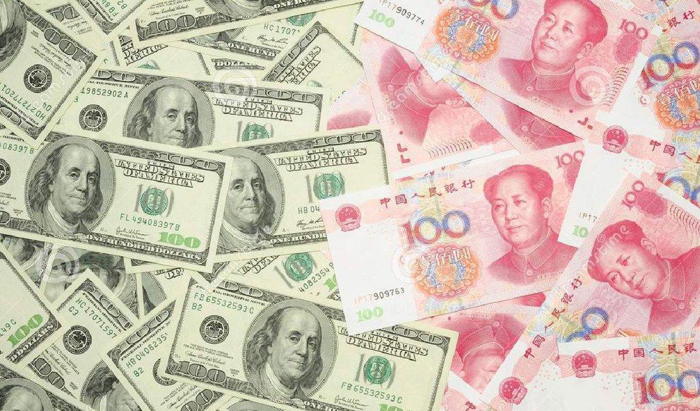 Depois de ter caído nas duas últimas sessões, a moeda norte-americana teve forte alta nesta terça-feira 11, encerrando o dia vendido a R$ 3,498, com alta de R$ 0,055 (1,59%);cotação foi influenciada pelo cenário externo: o Banco Central da China anunciou hoje a desvalorização do yuan em quase 2% em relação ao dólar norte-americano
