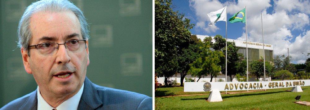 Após anunciar que romperiao convênio que dá à Advocacia Geral da União (AGU) a prerrogativa de defender a Câmara em ações na Justiça, o presidente da Casa, Eduardo Cunha (PMDB-RJ), foi obrigado pela realidade a recuar em parte de sua decisão; Cunha admitiu que a Câmara nãotem como criar novas despesas com escritórios de advocacia para defendê-la em cerca de mil ações trabalhistas que correm em diversas regiões do país e por isso a AGU permanecerá como defensora; a advocacia da Câmara se encarregará da defesa da Casa em processos que correrem nos tribunais superiores