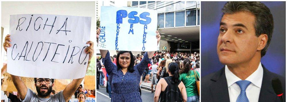 """Continua tensa a situação nas 2,1 mil escolas da rede pública do Paraná; segundo relatos nas redes sociais, muitos educadores não receberam o terço de férias como havia sido acordado para pôr fim à histórica greve de fevereiro; """"O calote de Beto Richa continua"""", registrou uma professora no Facebook, que denunciou descontos indevidos em seu vencimento"""