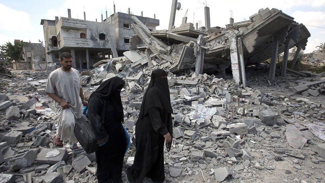 Ministério da Saúde palestinoidentificou o homem como Mohammed Halawa, 32, e disse que ele foi baleado por soldados a leste do campo de refugiados de Jabalya; fatalidade deste domingo é a primeira 50 dias após o encerramento em agosto da guerra de Gaza