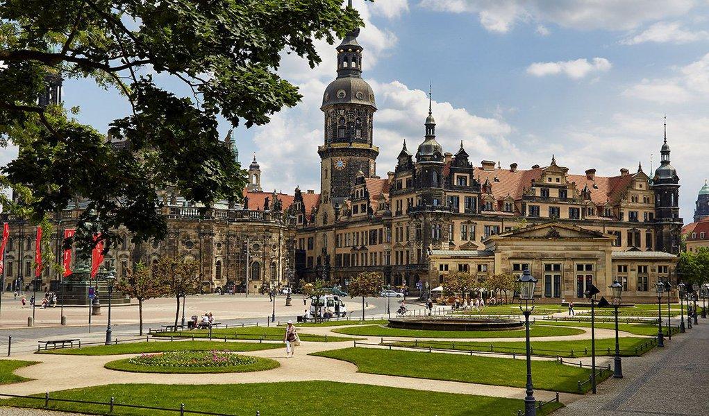 Duramente bombardeadas na Segunda Guerra, Berlim, Potsdam e Dresden ainda agora estão sendo reconstruídas. Vibrantes, as três cidades alemãs são planas e escondem inúmeros tesouros históricos e culturais. Vale a pena desvendá-los de bike, numa aventura inesquecível