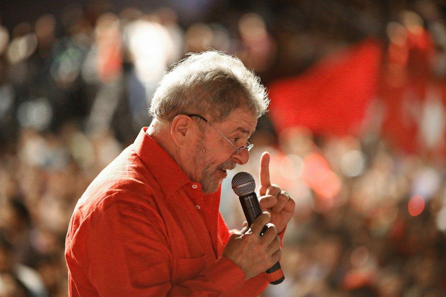 O discurso do ex-presidente Lula, no entanto, foi um banho de água fria, com a defesa intransigente do governo Dilma, sem apresentar nenhuma contrapartida para as forças progressistas