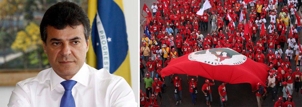 """O MST promete jogar pesado na manifestação, em Curitiba, pelo """"Fora Beto Richa"""" e em defesa da Petrobras, da reforma política e dos direitos trabalhistas; o movimento também foi atingindo pelo """"pacotaço"""" do governador Beto Richa, que, neste segundo mandato, determinou o fechamento de turmas e demissão de professores e funcionários em assentamentos; no Paraná, a marcha é coordenada sob o guarda-chuva da CUT; mais de 50 entidades lançaram ontem uma ofensiva para a mobilização desta sexta; MST denuncia suposta ameaça de morte ao coordenador nacional da entidade, João Pedro Stedile"""