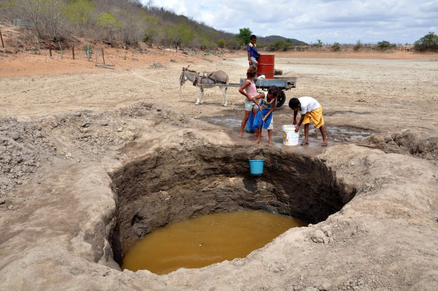 O objetivo é discutir a necessidade de recursos para amenizar os devastadores efeitos da seca na região.Outra pauta a ser abordada são as obras estruturadoras da Região Nordeste. A transposição do Rio São Francisco, a criação de adutoras e barragens são alguns exemplos