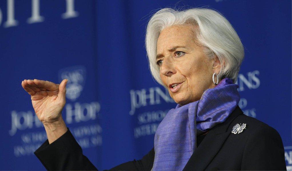 """A diretora-gerente do Fundo Monetário Internaciona, Christine Lagarde, disse neste domingo estar decepcionada com o resultado inconclusivo das negociações com a Grécia, que está à beira de um calote de sua dívida com o FMI; """"Eu continuo acreditando que uma abordagem equilibrada é necessária para ajudar a restaurar a estabilidade econômica e o crescimento na Grécia"""", disse ela"""