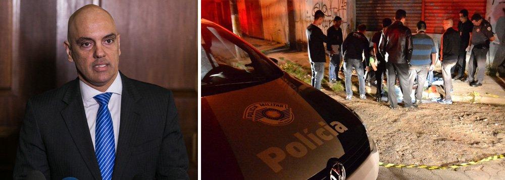 Para o secretário de Segurança de São Paulo, Alexandre de Moraes, a chacina na Grande São Paulo que resultou na morte de 19 pessoas com outras sete feridas pode ter sido retaliação pela morte de um policial militar vítima de latrocínio, na sexta-feira 7 em Osasco; mortes ocorreram em Osasco, Barueri e Itapevi; oMinistério Público vai acompanhar a investigação sobre as execuções