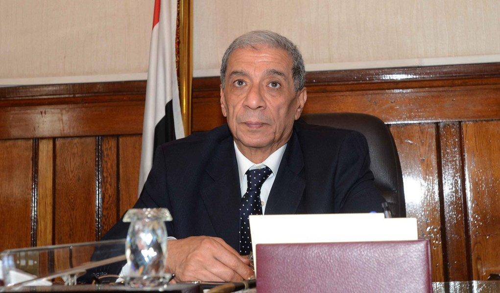 O procurador-geral do Egito, Hicham Barakat, morreu na sequência de um atentado à bomba no Cairo; Barakat, de 65 anos, sofreu ferimentos que provocaram uma hemorragia interna. Ele chegou a ser operado, mas não resistiu; em maio, o ramo egípcio do grupo terrorista Estado Islâmico fez apelos por ataques contra membros do judiciário local, em represália pela condenação de vários simpatizantes do grupo nas últimas semanas