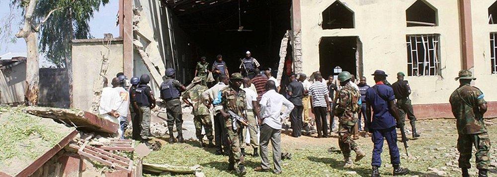 A ofensiva militar lançada no fim de semana pelo Chade e pelo Níger conseguiu recuperar a cidade de Damask dos terroristas do Boko Haram, matando cerca de 200 militantes do grupo radical; de acordo com fonte dos serviços de segurança do Chade, a ofensiva militar terminou com o controle de Damask, uma cidade na fronteira do Níger, pelo Boko Haram, que se prolongava desde novembro