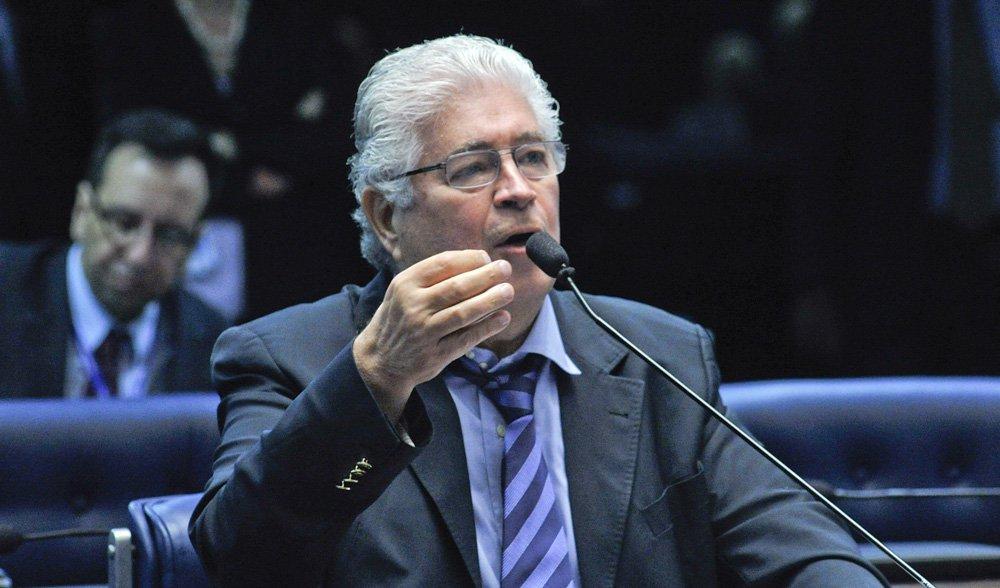 O senador Roberto Requião (PMDB) assegura a primeira posição com 30% das intenções de voto; em segundo lugar está o também senador Álvaro Dias (PSDB), com 27%, seguido pelo secretário do Desenvolvimento Urbano (SEDU), Ratinho Junior (PSC), que tem 20%; levantamento é doParaná Pesquisas