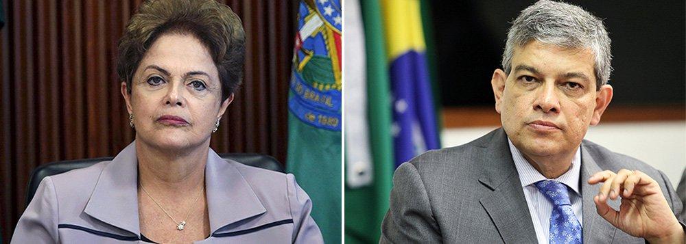 PSDB quer derrubar Dilma por 'domínio do fato'