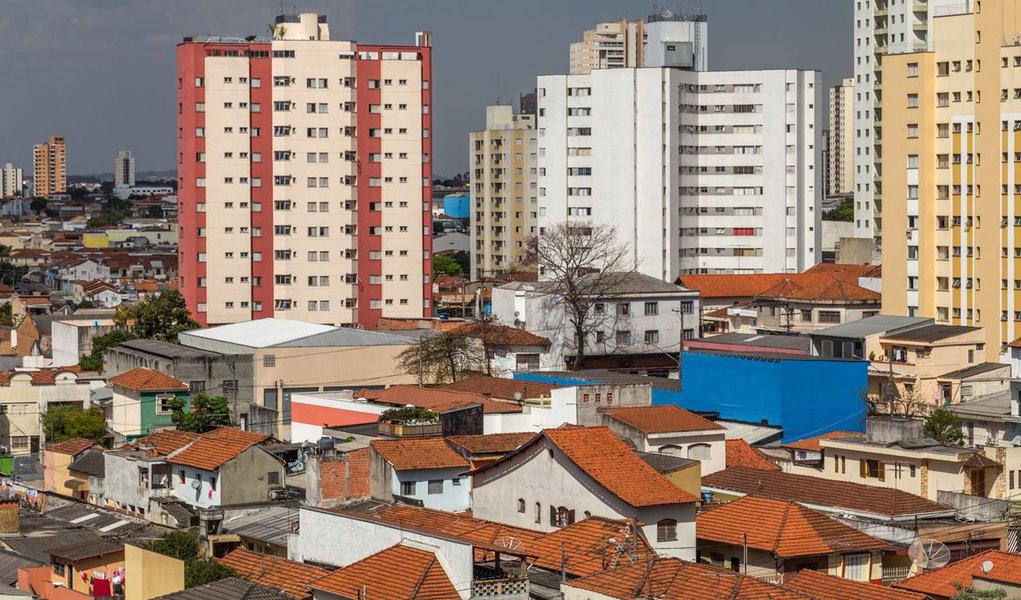 A alta do Índice Geral de Preços do Mercado (IGP-M)foi 0,98%, ante 0,28% em outubro, segundo a apuração feita pelo Instituto Brasileiro de Economia (Ibre) da Fundação Getulio Vargas (FGV); eleencerra novembro em alta de 3,66%, no acumulado de 12 meses