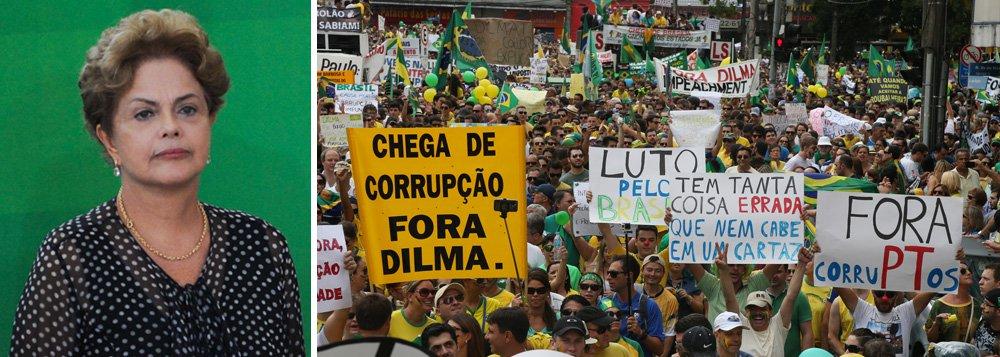 Desaprovação ao governo da presidente Dilma Rousseff, que vem sendo alvo de manifestações por impeachment, subiu para 64%, segundo pesquisa do Ibope divulgada nesta manhã pela Confederação Nacional da Indústria (CNI); último levantamento foi divulgado em dezembro e apontava rejeição de 27%; nesse período, 40%avaliavam o governo como ótimo ou bom; entre os entrevistados, 23% classificam o governo federal como regular e 24% confiam em Dilma, contra 51% que confiavam nela há três meses; ; segundo a CNI, aárea econômica teve o pior nível de aprovação pela população;o Ibope ouviu 2.002 pessoas em 142 municípios entre os dias 21 e 25 de março